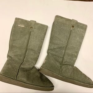 BearPaw Olive Color Tall Pull on Boots